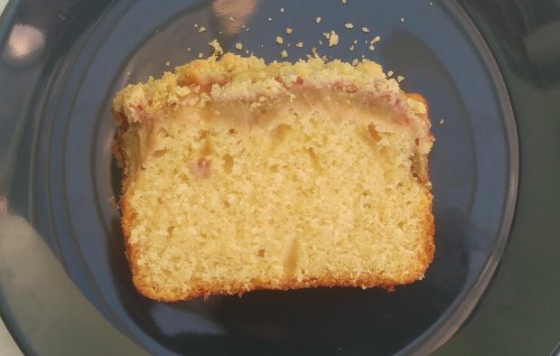 rhubarb crumble cake 4